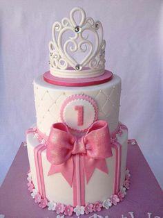 Basic Cake Decorating Ideas And Tips Tiara Cake, Crown Cake, Fondant Crown, Cake Fondant, Girly Cakes, Cute Cakes, Pink Cakes, Torta Princess, Princess Wedding Cakes