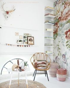 The cutest and most original ideas to a children's room decor. Childrens Room Decor, Kids Decor, Home Decor, Ideas Vintage, Romantic Room, Kids Room Design, Little Girl Rooms, Kid Spaces, Girls Bedroom