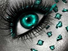 Aquamarine eye