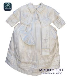 Ropon para niño modelo B011, similar al atuendo Papal