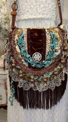 Veludo Feito À Mão Bolsa Franja estilo antigo de renda com Gypsy Hippie Chic Boho hobo bolsa tmyers | Roupas, calçados e acessórios, Bolsas e sacolas femininas, Bolsas | eBay!