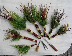 Bildergebnis für palmbuschen - Holiday World Diy Spring Wreath, Diy Ostern, Easter Traditions, Easter Crafts, Flower Designs, Diy And Crafts, Art Deco, Wreaths, Holiday Decor