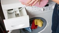 Když jsem kupovala drahé kapsle, pračka začala neskutečně zapáchat a dobře neprala: Dala jsem na radu švagrové a už měsíce peru zcela zdarma! Peru, Washing Machine, Laundry, Home Appliances, Turkey, Laundry Room, House Appliances, Appliances, Laundry Rooms