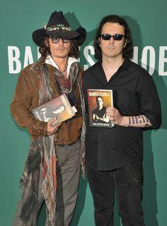 Johnny Depp Photo - Damien Echols In Discussion With Johnny Depp. I love Damien Echols. Exonerate the West Memphis 3!