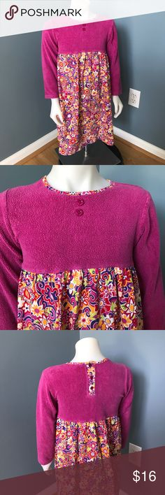 Hanna Andersson fushia fleece long sleeve dress Size 120. Top is warm fleece. Front has faux flower button detail. Bodice is bold cotton signature floral whimsical print. Three button back. Hanna Andersson Dresses Casual
