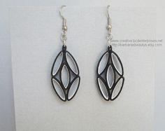 Boucles d'oreilles quilling ovales noir et par BarbarasBeautys, $10.00