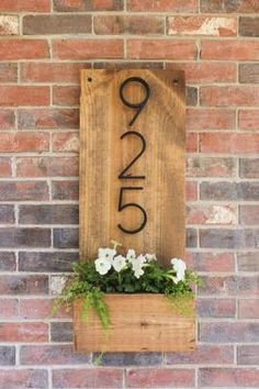 How to make a vertical house number sign for your house exterior, easily with . - How to make a vertical house number sign for your house exterior, easy to assemble … - Decoration Entree, Exterior Decoration, Diy Casa, Diy Décoration, Home And Deco, Handmade Home Decor, Cute Home Decor, Upcycled Home Decor, Wood Home Decor