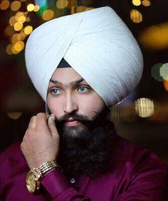 Muslim Girls Photos, Girl Photos, Punjabi Boys, Cute Tumblr Pictures, Love Couple Photo, Indian Men Fashion, Army Wallpaper, Stylish Sarees, Turban Style