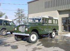 Land Rover Series III 109 Station Wagon