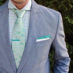 Gingham, paisley, green, blue, blazer, tie Clip, tie pocket Square #paisley #menswear #gingham #linen #mensfashion #menstyle