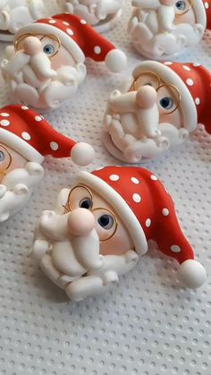 Clay Christmas Decorations, Polymer Clay Christmas, Cute Polymer Clay, Polymer Clay Dolls, Polymer Clay Projects, Diy Clay, Christmas Crafts, Christmas Ornaments, Xmas