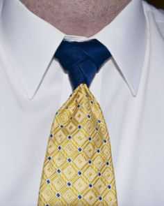 Eldredge Knot - Tommy Hilfiger tie, I note the brand because I know they make ties with solid tails/small end. I'm not the best at tying the knot, I'll get better. @Alex Krasny @Alex Jones Krasny Who showed me how.