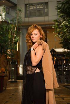 Portrait de la fashion Youtubeuse SoUrbanGirl - Estelle - à l'Hyatt Regency Paris CDG