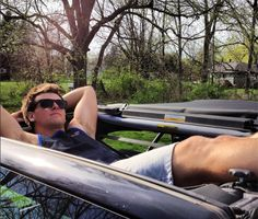 Black Jammock Hammock in a JeepThe Jammock Black is a heavy-duty Jeep Wrangler hammock created by a former US Army weapons tester. Take your Jeep Wr Motorhome, 4x4, Jeep Gear, Jeep Camping, Camping Tips, Jeep Mods, Jeep Parts, Jeep Truck, Shopping