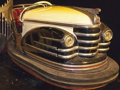 Another cool antique bumper car. I'd love this min my auto themed room. Industrial and vintage for my interior design.