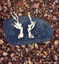 Praying Angel Leverback Earrings. Surround your countenance with angels. #angel #jewelry #silver #earrings #leverback #lavaggi #inspirational