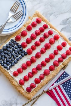 A Berry Puff Pastry Tart is the perfect patriotic flag dessert! It's easy to make using frozen puff pastry dough. You'll love the cheesecake filling. Puff Pastry Desserts, Puff Pastry Recipes, Pastries Recipes, Danish Recipes, Patriotic Desserts, 4th Of July Desserts, Puff Pastry Dough, Frozen Puff Pastry, Zeppole Recipe