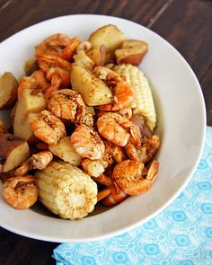 low country boil - http://www.dashofeast.com/2011/05/lowcountry-boil-a-confession-and-an-update/