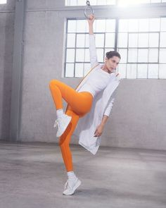 Bella Hadid flaunts her figure as the face of Calvin Klein Performance's fall-winter 2019 campaign. Captured by Charlotte Wales, she joins Mitchell Slaggert… Bella Hadid, Calvin Klein Outfits, My Calvins, Fashion Magazine Cover, Magazine Covers, Campaign Fashion, Purple Fashion, Healthy Women, Young Models