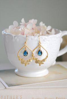 Chandelier Earrings, Dangle Earrings, Glass Chandelier, Crystal Earrings, Azul Tiffany, Jewelry Photography, Unique Earrings, Bridal Jewelry, Jewelery