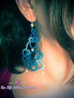 Tatting handmade earrings with white pearls.