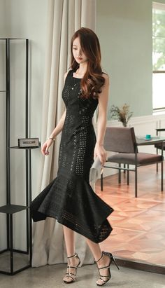 Korean Model, Womens Fashion For Work, Korean Outfits, Beautiful Asian Girls, Women's Fashion Dresses, Asian Woman, Asian Beauty, Cute Dresses, Korean Fashion