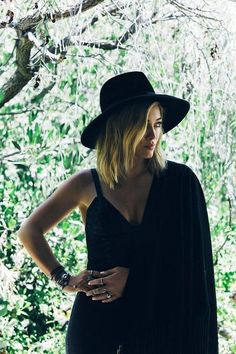 New full picture from Hilary's photoshoot for the new album!
