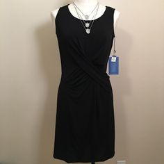 NWT Simply Vera Vera Wang Little Black Dress! NWT Simply Vera Vera Wang Little Black Dress! Size: XS. Nothing is better than a LBD and this one is a stunner! Criss-cross front adds an interesting detail to set this apart from others. Material: 96% poly, 4% spandex. Can be gently machine washed. Such a versatile dress, a definite wardrobe staple! Simply Vera Vera Wang Dresses