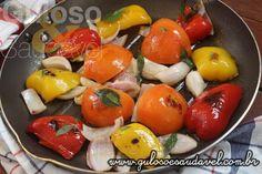 No #almoço temos esta delicia, a Berinjela Empanada com Legumes Salteados, levinha, rápida (15 minutos) e simples de preparar.  #Receita aqui: http://www.gulosoesaudavel.com.br/2017/06/19/berinjela-empanada-com-legumes-salteados/