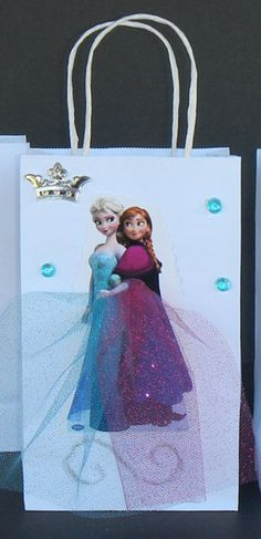 INSPIRED Disney Frozen Elsa & Anna Birthday Party Favor Goody Gift Bags hand made with real picture Elsa And Anna Birthday Party, Frozen Themed Birthday Party, Princess Birthday, Birthday Party Favors, Elsa Frozen, Frozen Goody Bags, Frozen Tea Party, Anna Et Elsa, Frozen Decorations