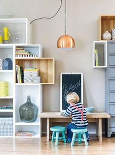 Een kinder speelhoek in je woonkamer, je ontkomt er niet aan. We geven je volop inspiratie voor stijlvolle speelplekjes in je interieur.