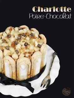 Découvrez la recette très simple de la charlotte poire chocolat : des biscuits à la cuillère, une crème qui fige au frais et des fruits frais comme accompagnement.   #charlotte #fruits #poire #chocolat #biscuits #facile #sanscuisson #dessert #feeriecake Drip Cakes, Four, Beautiful Cakes, French Toast, Dessert Recipes, Baking, Breakfast, No Bake Desserts, Fresh Fruit