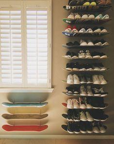 Make DIY Skateboard Shelves for Shoe Storage / Grillo Design Skateboard Decor, Skateboard Shelves, Skateboard Furniture, Boys Skateboard Room, Skateboard Design, Diy Shoe Storage, Diy Shoe Rack, Storage Ideas, Shoe Racks