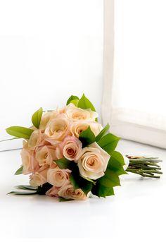 Flores Online   Ramo de novia con rosas