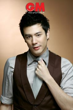 Only the sexiest asian vampire there is!  Dome Pakorn~Thai Actor