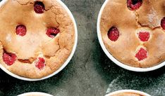 These baked almond and raspberry souffle puddings are perfect for hosting. The souffle recipe features a hint of cognac, almond essence and fresh raspberries. Raspberry Cupcakes, Raspberry Sauce, Cheesecake Cupcakes, Souffle Recipes, Pudding Recipes, Dessert Recipes, Jam Roly Poly, Individual Cheesecakes, English Desserts