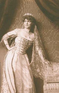 Countess Esterhazy-Wrbna, 1917, wearing a diamond floral tiara, with multiple flower heads