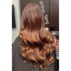 My client Maria got some of my dimensional coloring this week #guytang  I used @bellamihair 6 in 1 iron to style @mzmaria