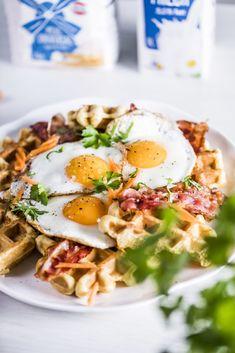 Karotten Waffeln Eggs, Breakfast, Food, Roast, Meat, Fried Eggs, Waffle Iron, Waffles, Carrots