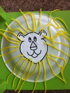 "This would be a cool idea to do in the form of a sun collage. If you use paint to prime the plate then use pipe cleaners, yarn, paper, feathers, etc. Could use a face of a sun as the middle to ""hide"" the pieces. Bible Story Crafts, Bible Crafts For Kids, Bible Study For Kids, Projects For Kids, Bible Stories, Preschool Arts And Crafts, Preschool Bible, Daycare Crafts, Sunday School Crafts"