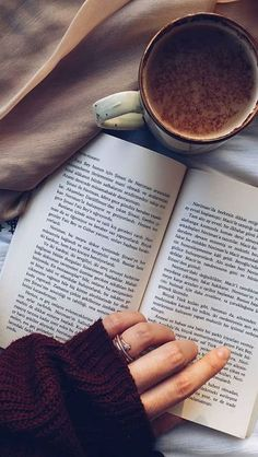 Pin on Coffee & Books Flat Lay Photography, Coffee Photography, Girl Photography Poses, Book Aesthetic, Aesthetic Photo, Aesthetic Pictures, Book Instagram, Instagram Story Ideas, Book Flatlay