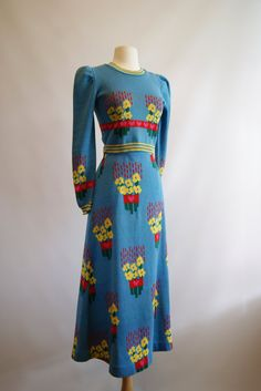 1970s •~• Betsy Johnson Alley Cat knit dress bleu knit novelty print 70s does 30s 40s style blue yellow red designer vintage fashion style