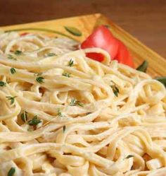 You can make your own homemade Alfredo sauce, you don't need to purchase anything from a jar, or a package. With three simple ingredients you can make your own Alfredo Sauce. from CopyKat recipes Fettuccine Alfredo, Crab Alfredo, Fettuccine Noodles, Chicken Alfredo, Make Alfredo Sauce, Olive Garden Alfredo Sauce, Alfredo Recipe, Red Lobster Alfredo Sauce Recipe, Pasta Recipes