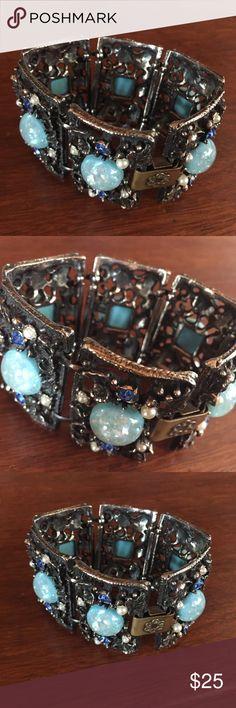 Vintage Blue Stone Bracelet Beautiful statement bracelet! Jewelry Bracelets