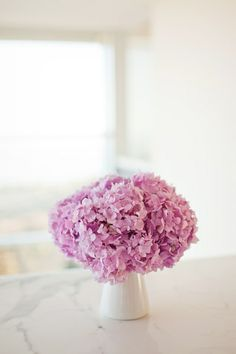 beautiful centerpieces and such a simple wedding idea!
