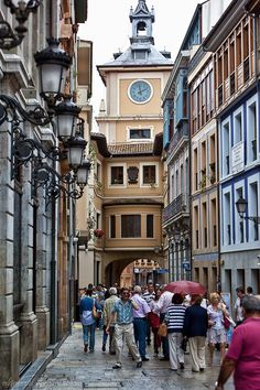 Program of the Week: Intensive Spanish Language in Oviedo, Spain Just think, you could eat lunch here everyday. Provinces Of Spain, Places To Travel, Places To Visit, Unique Clocks, Spanish Architecture, Canary Islands, Night Life, Tower, Street View