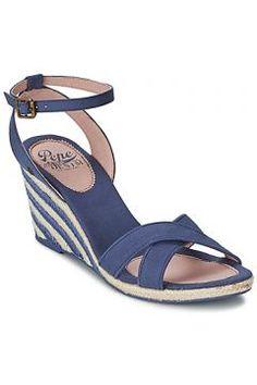 Sandaletler ve Açık ayakkabılar Pepe jeans SARK CANVAS WEDGE https://modasto.com/pepe-jeans/kadin-ayakkabi-sandalet/br27457ct19