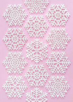 Perler Christmas Bead Patterns Snowflakes and fun Perler Bead Designs, Hama Beads Design, Perler Bead Templates, Diy Perler Beads, Perler Bead Art, Hama Beads Coasters, Melty Bead Designs, Melty Bead Patterns, Pearler Bead Patterns