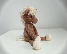 Doudou cheval poney au crochet amigurumi cadeau naissance