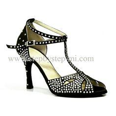 sandalo semiaperto in raso nero decorato con strass crystal, suola in bufalo, tacco 90 #stepbystep #ballo #salsa #tango #kizomba #bachata #scarpedaballo #danceshoes #cute #design #fashion #shopping #shoppingonline #glamour #glam  #shoe #style #instagood #instashoes #sandals #sandali #strass #rhinestoned #instaheels #stepbystepshoes #cute #salsaon2 #bachatasensual  #raso #madeinitaly